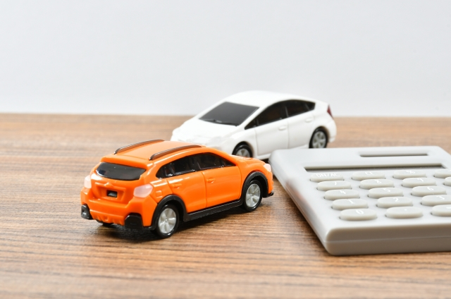 Q56 車両の下取り&買換えの仕訳/税金やリサイクル預託金等の勘定科目・消費税の取扱いは?